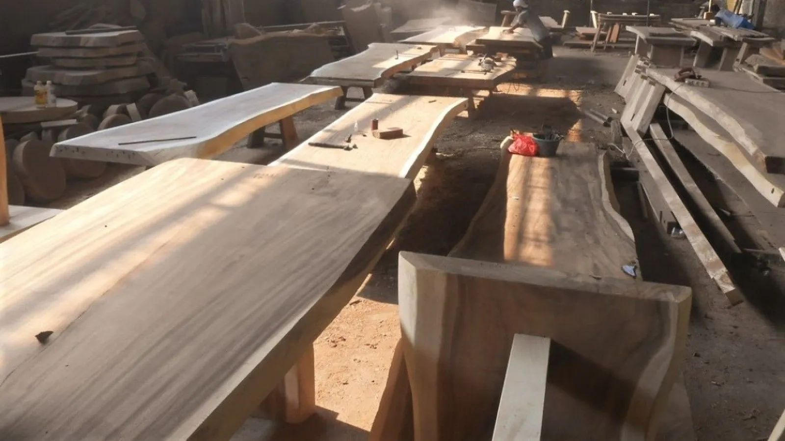 Single piece living edge slabs top table